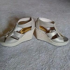 Michael kors gold sandles